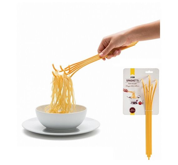 Monkey servi spaghetti giallo